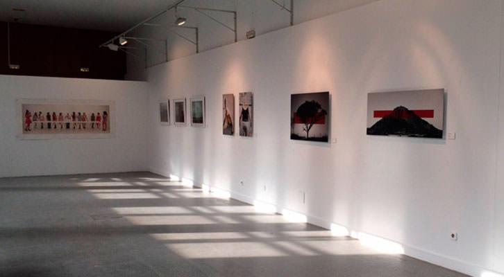 Vista general de la exposición 'Nueva fotografía internacional en el siglo XXI'. Cortesía del Centro Municipal de las Artes de Alcorcón.