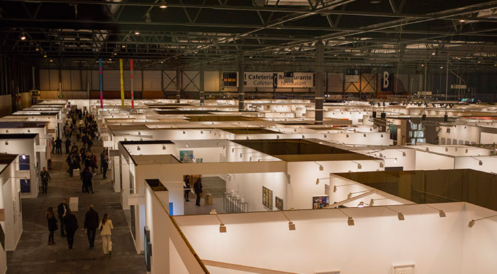 Vista general de la Feria Internacional de Arte Contemporáneo de Madrid. Cortesía de ARCO 2015.
