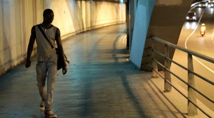 Fotograma del cortometraje 'Barcelone ba Barsakh', de Nacho Gil y Cristina Vergara. Imagen cortesía de los autores.