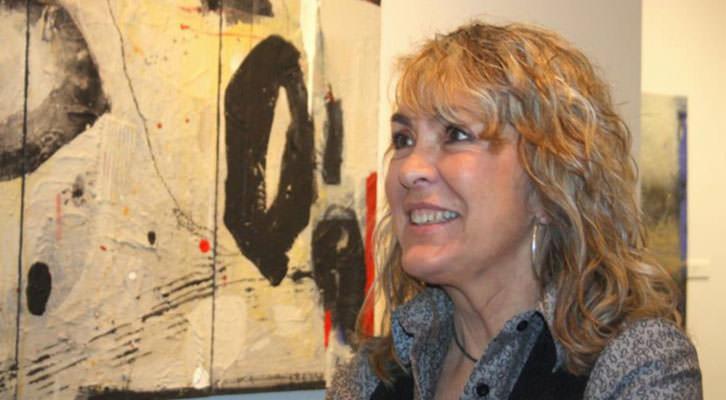 Laura Iniesta en la presentación de 'Mujer Tierra'. Cortesía de galería Alba Cabrera.