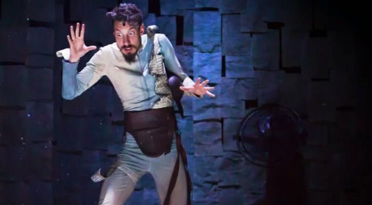 Escena de 'En un lugar del Quijote', de Ron Lalá. Teatro Talía de Valencia.