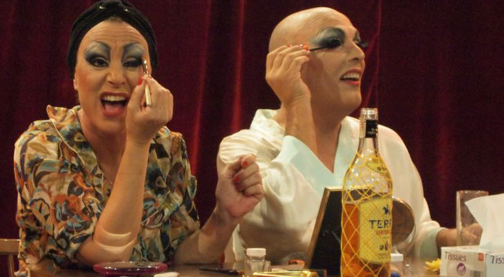 Escena de 'Fracasadas', de La Calva Producciones dirigida por Amparo Ferrer Báguena. Imagen cortesía de Sala Russafa.