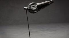Cayetano Ferrández. El hombre gris: Quinestesia. Fotografía digital impresa en papel baritado sobre dibond. 110 x 74 cm. Cortesía del artista.