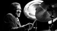 El batería Al Foster. Imagen cortesía de Jimmy Glass.