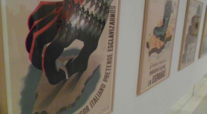 Carteles de la serie 'Utopia y revolución' en la exposición 'Construyendo Nuevos Mundos. Las vanguardias históricas en la Colección del IVAM (1914-1945)'.