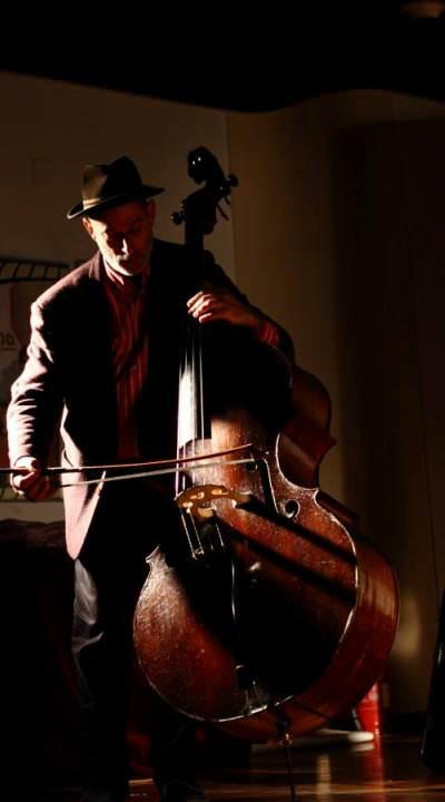 Festival Nits, concierto trío. Fotografía: Manu Marpel