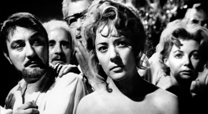 Fotograma de 'El ángel exterminador', de Luis Buñuel, una de las referencia utilizadas por Xisco Mensua para su obra 'Common. 2015', II Premio Adquisición Fundación Cañada Blanch.