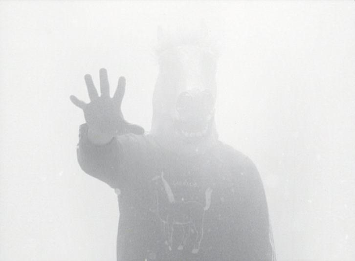Fotograma del cortometraje 'Cara de caballo', de Marc Martínez. Imagen cortesía de Radio City.
