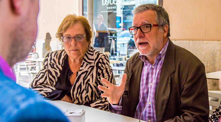 Vicente Gallart y Pepa Dasí, en un momento de los Desayunos Makma en Lotelito. Fotografía: Ana Pastor.
