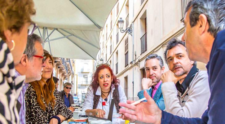 Un momento de los Desayunos Makma en la terraza de Lotelito. Fotografía: Ana Pastor.