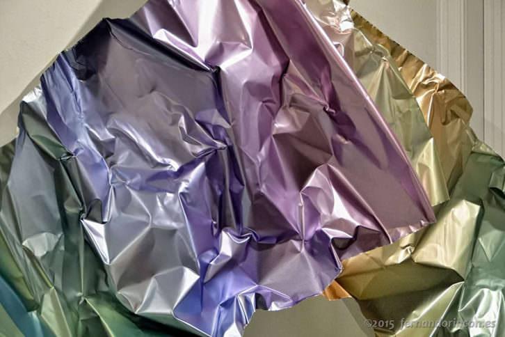 Detalle de una de las obras de Inma Femenía en la exposición Graded Metal. Fotografía de Fernando Rincón cortesía de Área 72.