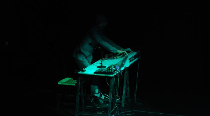 Escena de la Onironauta en el Espai Inestable (Valencia). Imagen cortesía de Teatre de La Catrina