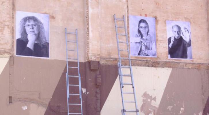 Instalación urbana de JR en el Cabanyal, a partir de fotografías de Rosi Moreno. Plataforma Salvem el Cabanyal.