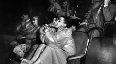 Fotografía de Weegee en la exposición del MuVIM. ©Weegee-Caravan