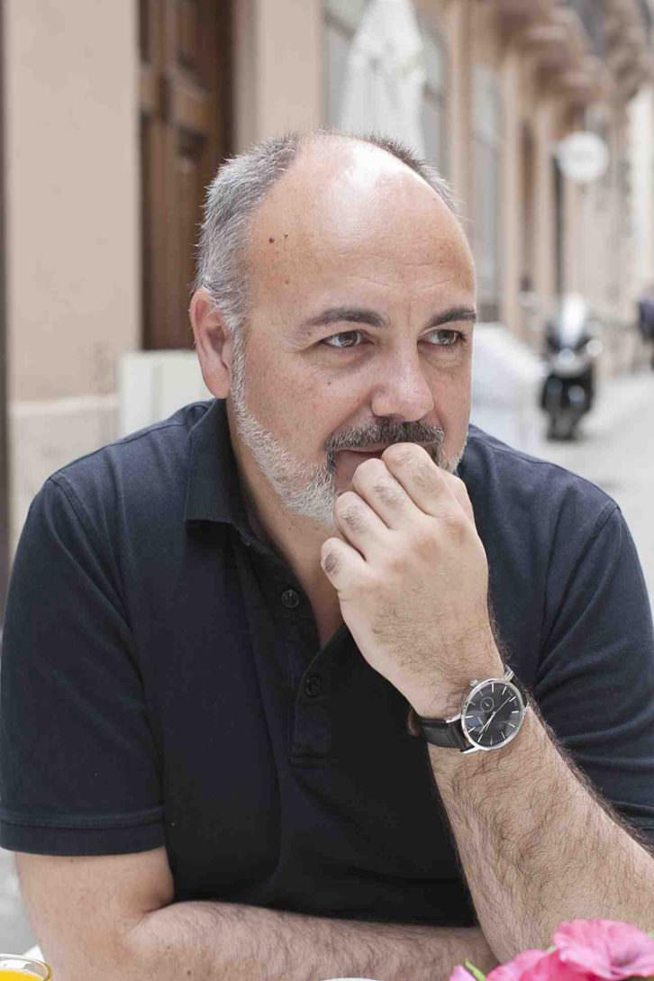 Rafael Maluenda, durante un momento de la entrevista en los Desayunos Makma en Lotelito. Fotografía: Fernando Ruiz.
