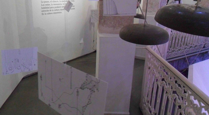 Instalación de Llorenç Barber en La Gallera.