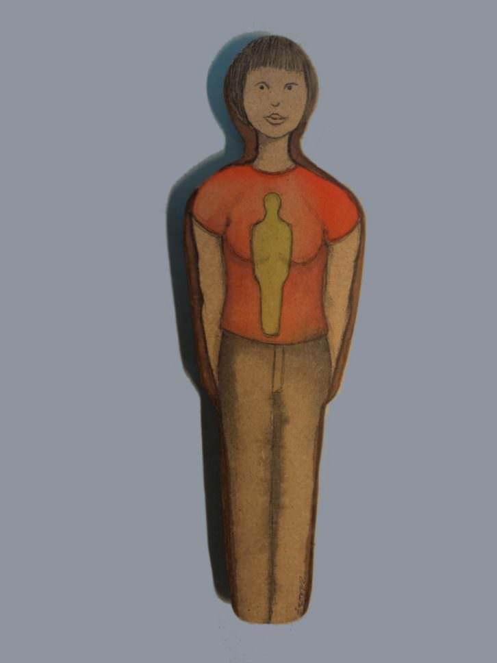 Figura de Concha Ros en Pinceladas colectivas. Cortesía de Imprevisual Galería.