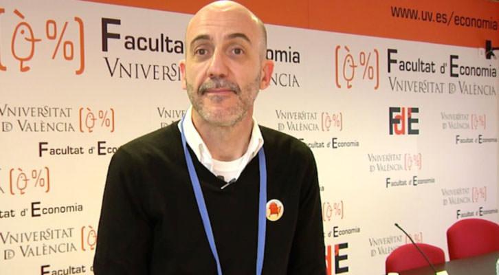 Manuel Cuadrado, responsable del estudio sobre Nuevas Fórmulas de Gestión, en el video realizado a su conclusión. Universitat de València.