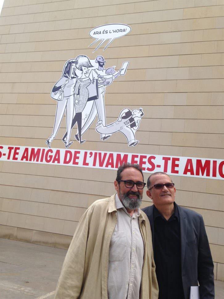 El ilustrador Sento Llobel (izquierda) y el director del IVAM, José Miguel Cortés, en la presentación de la nueva imagen del museo. Foto: Europa Press.