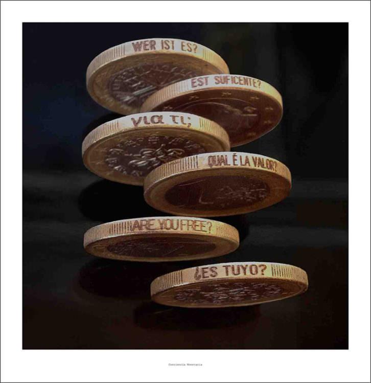 Monedas de Isidro López-Aparicio en pazYcomedias. Imagen cortesía de la galería.