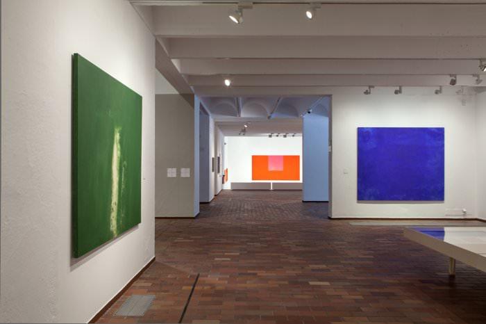 Interior de la exposición Alfons Borrell. Trabajos y días. 2015. Cortesía de Fundació Joan Miró.