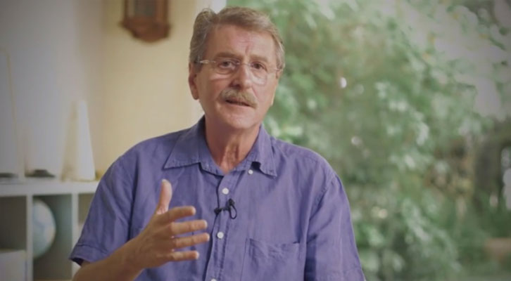 Vicent Torrent, uno de los fundadores de Al Tall, en un fotograma del documental de Josep Pitarch.