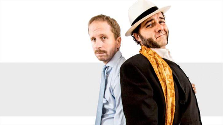 Alberto López (izquierda) y Alfonso Sánchez en Patente de corso. Cortesía de Teatro Olympia.