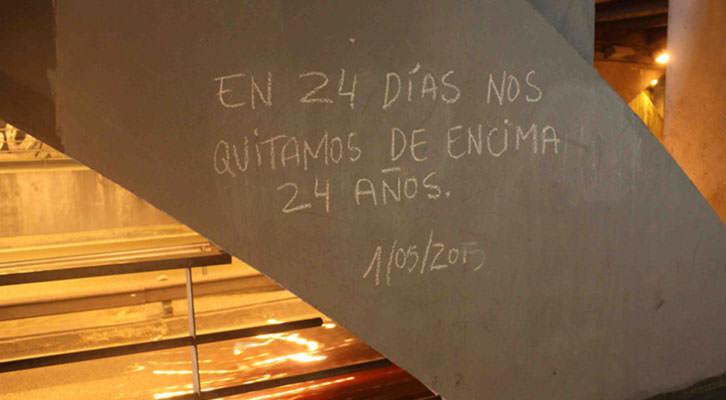 Pintada bajo el puente de Gran Vía Germanías. Fotografía: Begoña Siles.