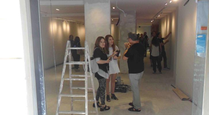 Entrada a la galería Shiras, en la calle Vilaragut de Valencia.