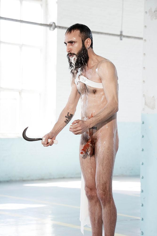 """Miguel Andrés. Cum dederit, Diálogo sobre la superpoblación, Video arte, 6' 58""""."""