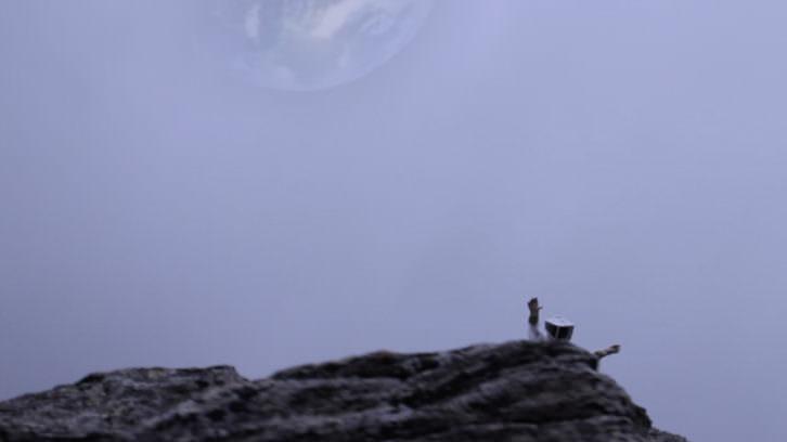 Intervención artística de Viaje Subnormal a la Luna. 2015. Cortesía de Campo de Desconcentración.