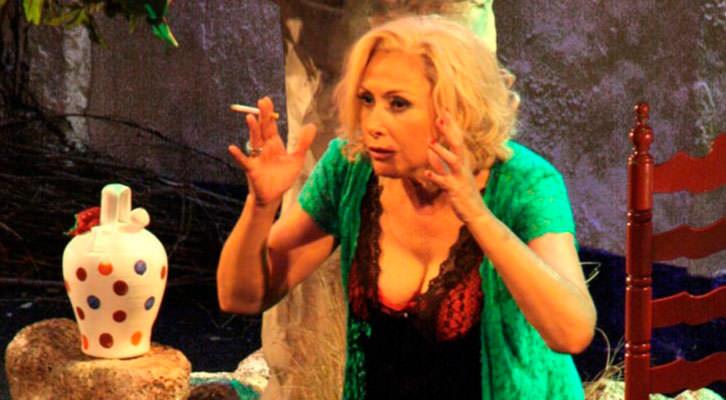 María Barranco en una escena de Legionaria. Teatro Talía de Valencia.