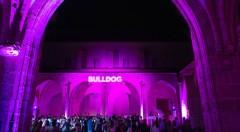 Momento de la fiesta de Bulldog Gin en el Claustro del Carmen. Imagen cortesía de la organización.