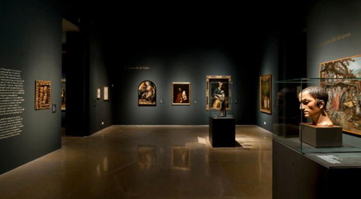Vista de una de las salas de la exposición 'Tiempos de melancolía'. Cortesía del Museo Nacional de Escultura de Valladolid.