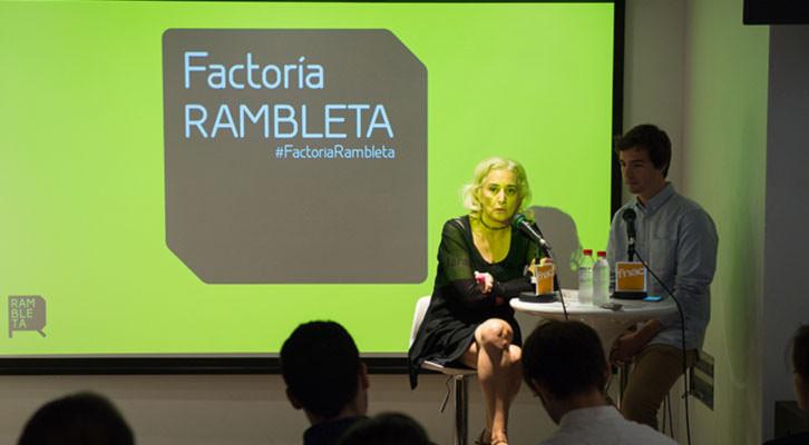 Mariola Cubells y Vicent Molins en la presentación de Factoría Rambleta en la FNAC de Valencia. Imagen cortesía de Espai Rambleta.