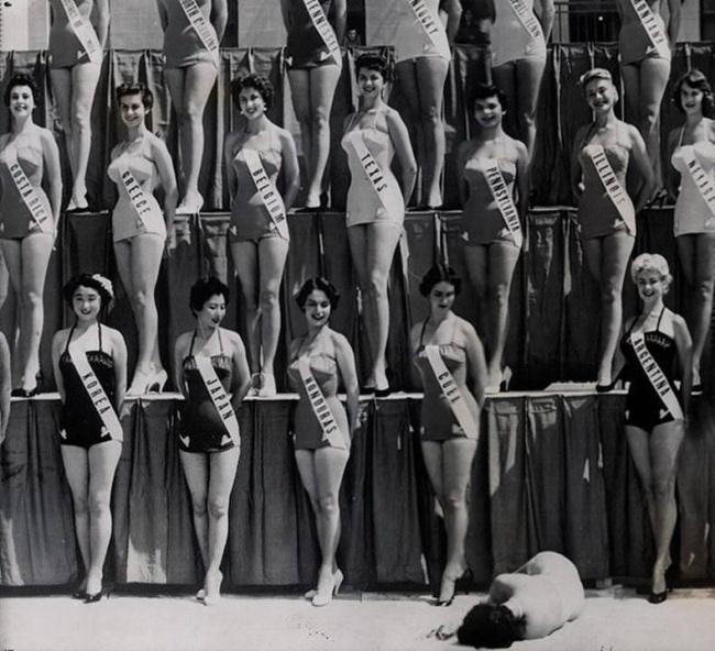 Imagen promocional del espectáculo Cul Kombat. Cortesía de la Compañía Patrícia Pardo.