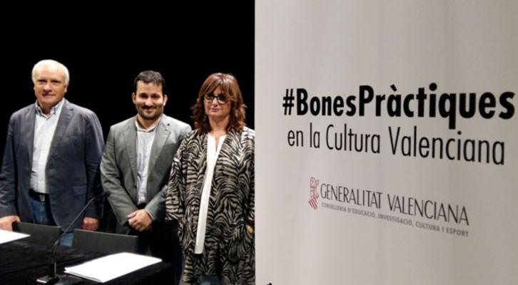 Albert Girona, Vicent Marzà y Carmen Amoraga, en la presentación del Código de Buenas Prácticas. Imagen cortesía de Generalitat Valenciana.