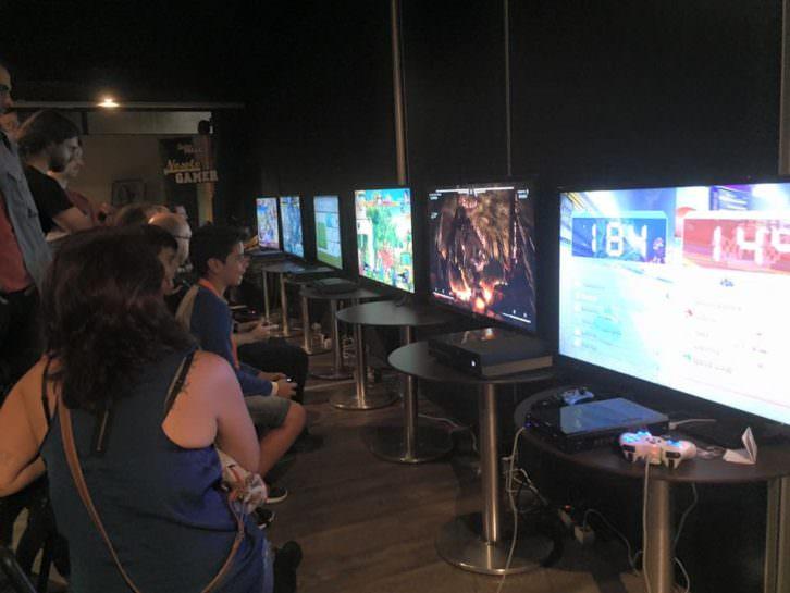 Recinto dedicado a videojuegos, una de las principales actividades del festival. 2015. Cortesía de CIFICOM.