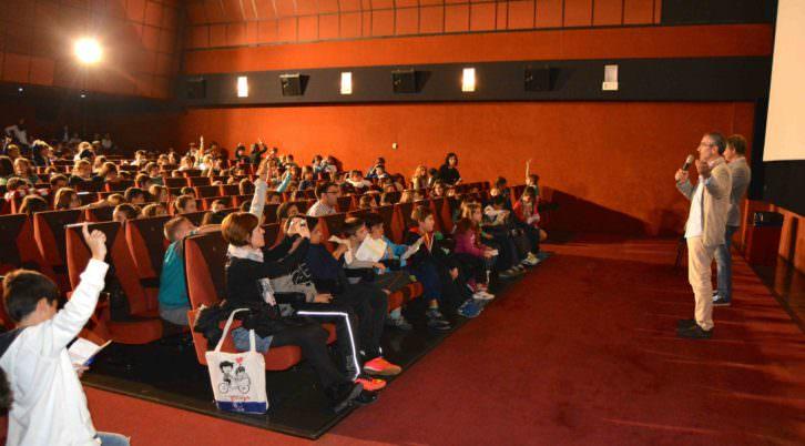 El director Javier Fesser responde a las preguntas del público infantil, tras la proyección de 'Mortadelo y Filemón contra Jimmy el Cachondo'. Fotografía: Merche Medina.