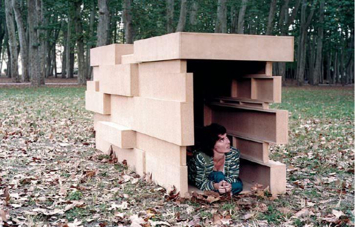 Instalación de Domènec en 'Construyendo democracia'. Imagen cortesía de Fundación Chirivella Soriano.