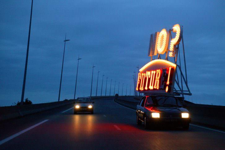 Fotografía de Jordi Colomer en 'Punk. Sus rastros en el arte contemporáneo'. Imagen cortesía de Artium.