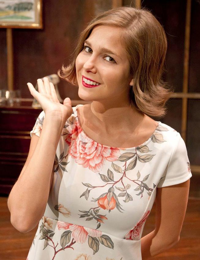 Natalia Sánchez es Ninette. Teatro Talía.
