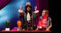 Escena de Alicia en Wonderland. Imagen cortesía de Sala Russafa.
