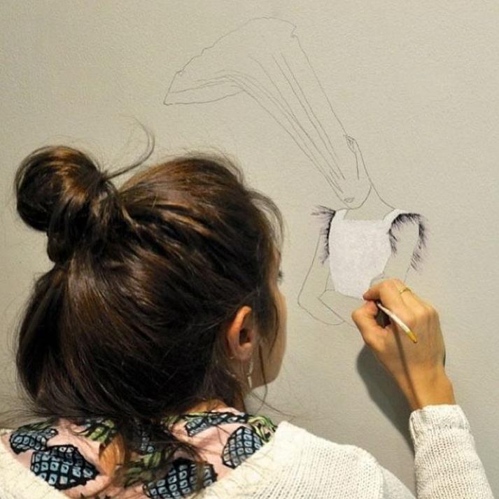 Estefanía Martín Sáenz, ganadora del I Premio de Dibujo DKV-MAKMA. Fotografía de Eduardo Sánchez.