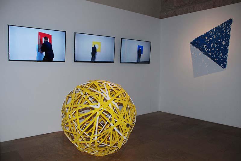 Instalación de Hugo Martínez-Tormo. Imagen cortesía del Centro del Carmen.