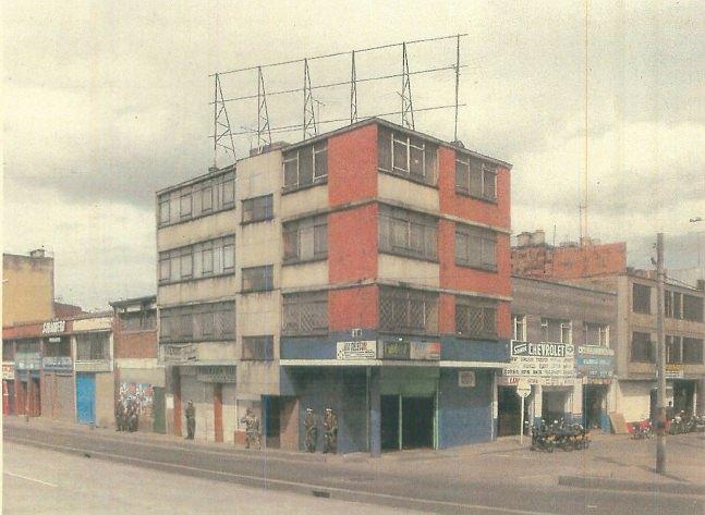 Av Caracas Bogotá 3, de Alexander Apóstol. Imagen cortesía del IVAM.