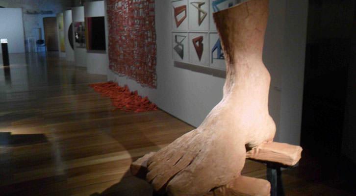 Escultura de Thierry Bodinot en el Centro del Carmen. Ciutat Vella Oberta.