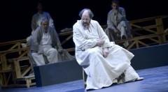 Josep María Pou durante un instante de 'Sócrates, juicio y muerte de un ciudadano'. Imagen cortesía de la compañía.
