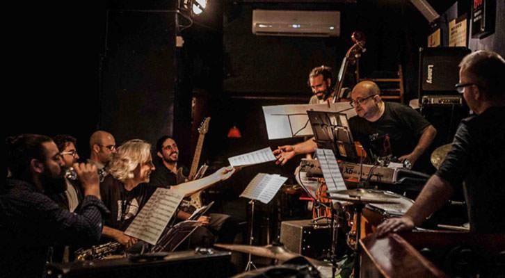 Hot Rats Ensemble, dirigido por Perico Sambeat, durante el ensayo de Frank Zappa's Alchemy. Fotografía de Josep Sogues cortesía de Jimmy Glass.