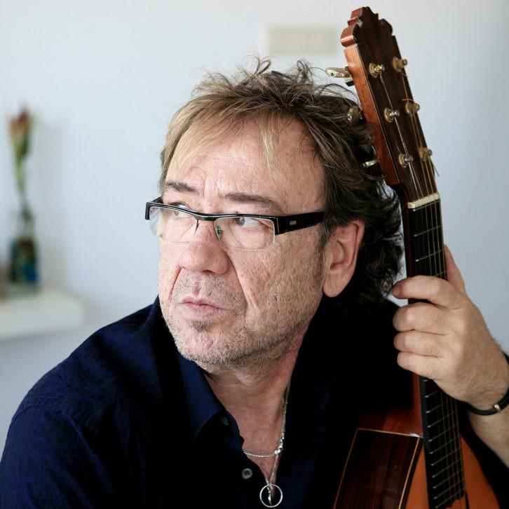 Miquel Gil en el MUV Circuito Música Urbana Valencia. Imagen cortesía de Sala Russafa.